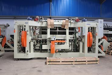 Geelong machinery exported two container:8feet spindle log debarker machine, 8feet spindle veneer peeling machine, face veneer cutter machine, electric spare pa
